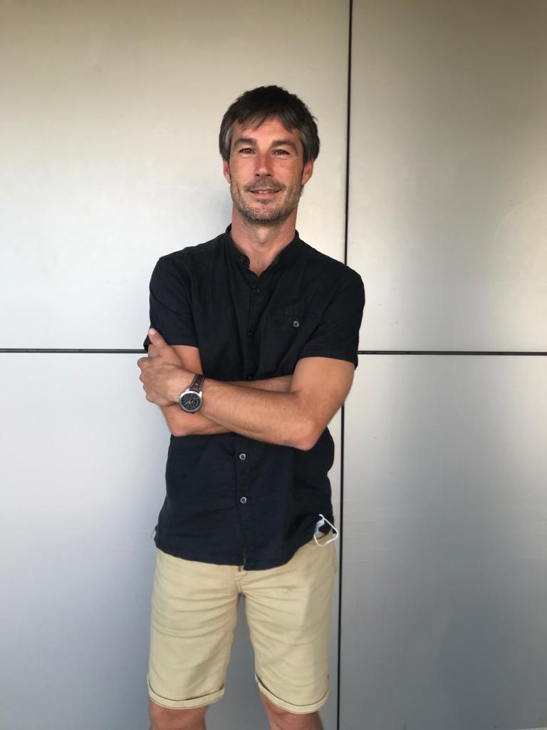 Entrevista al periodista y escritor Gabriel González sobre la evolución del tratamiento informativo del suicidio